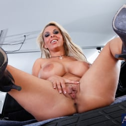 Holly Halston in 'Naughty America' and Danny Wylde in My Friends Hot Mom (Thumbnail 1)