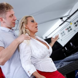 Holly Halston in 'Naughty America' and Danny Wylde in My Friends Hot Mom (Thumbnail 2)