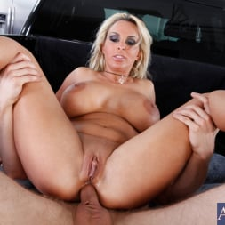 Holly Halston in 'Naughty America' and Danny Wylde in My Friends Hot Mom (Thumbnail 8)