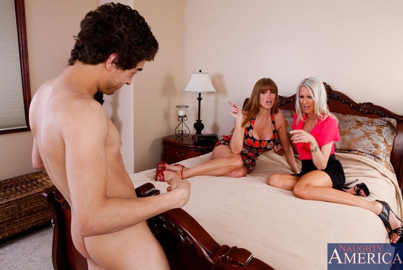 Naughty America 'My Friends Hot Mom' starring Darla Crane (Photo 3)