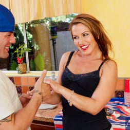 Inari Vachs in 'Naughty America' and Derrick Pierce in My Friends Hot Mom (Thumbnail 3)