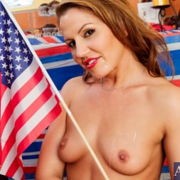 Inari Vachs in 'Naughty America' and Derrick Pierce in My Friends Hot Mom (Thumbnail 15)