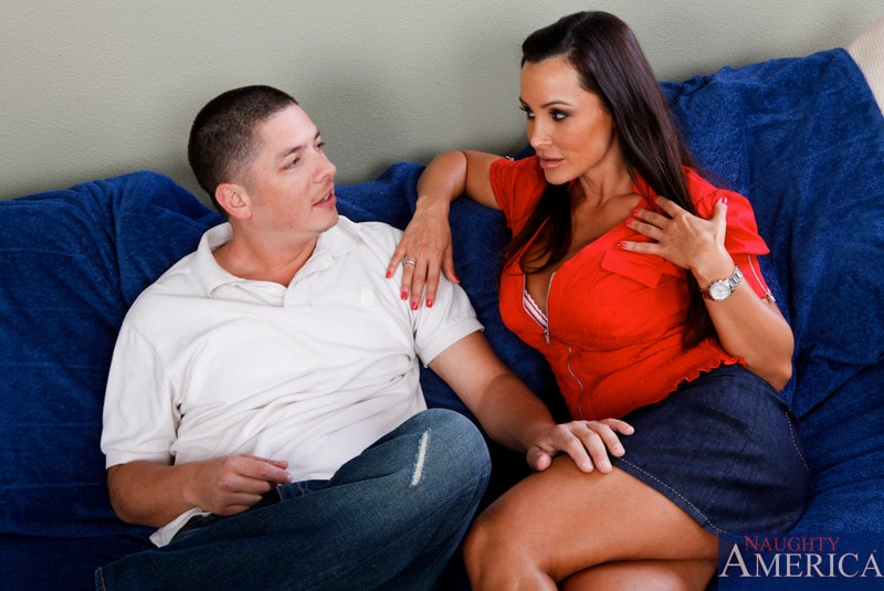 Naughty America 'and Alex Gonz in My Friends Hot Mom' starring Lisa Ann (Photo 3)