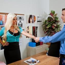 Bridgette B in 'Naughty America' Bridgette B. and Chris Johnson in Naughty Office (Thumbnail 2)