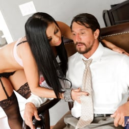 Audrey Bitoni in 'Naughty America' and Tommy Gunn in My Wife's Hot Friend (Thumbnail 3)