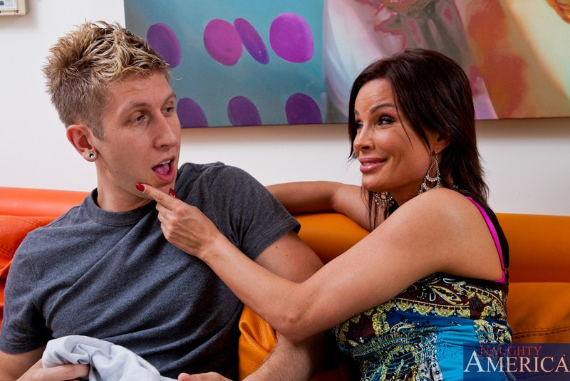 Naughty America 'and Danny Wylde in My Friends Hot Mom' starring Diamond Foxxx (Photo 2)