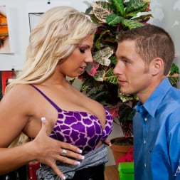 Lylith LaVey in 'Naughty America' and Chris Johnson in Naughty Office (Thumbnail 3)
