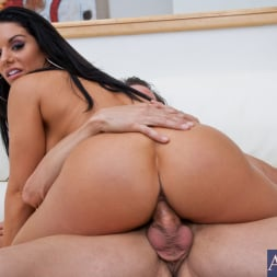 Bella Reese in 'Naughty America' and Tony DeSergio in My Wife's Hot Friend (Thumbnail 9)