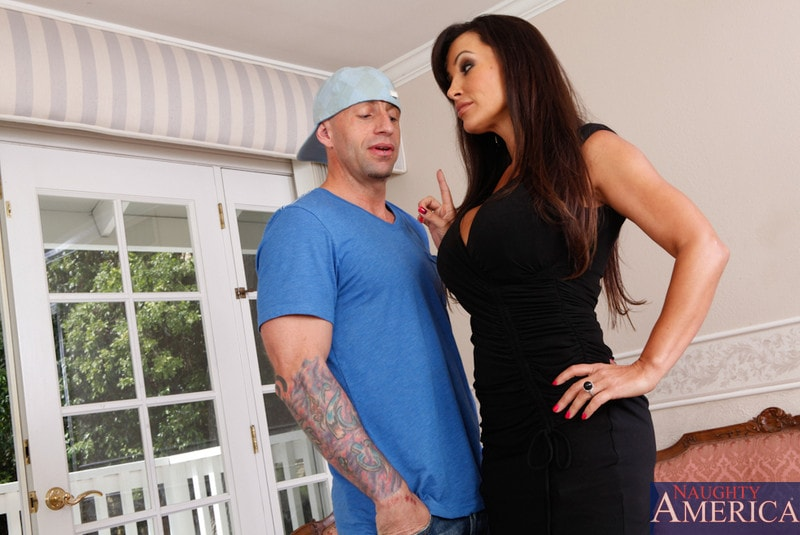 Naughty America 'and Barry Scott in My Dad's Hot Girlfriend' starring Lisa Ann (Photo 3)