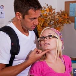Elaina Raye in 'Naughty America' and Johnny Castle in Naughty Bookworms (Thumbnail 2)