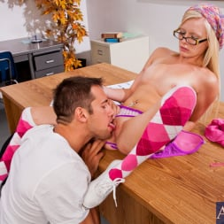 Elaina Raye in 'Naughty America' and Johnny Castle in Naughty Bookworms (Thumbnail 4)