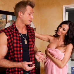 Ariella Ferrera in 'Naughty America' and Bill Bailey in My Friends Hot Mom (Thumbnail 3)