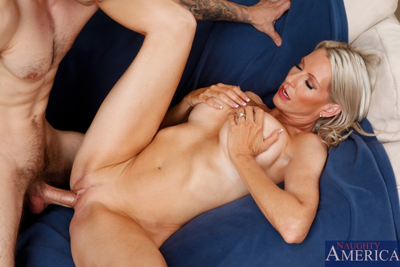 Naughty America 'and Joey Brass in My Friends Hot Mom' starring Emma Starr (Photo 7)