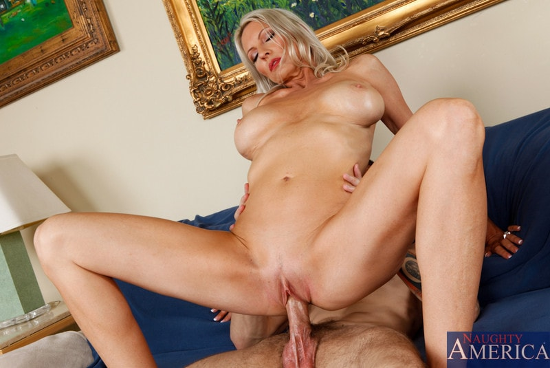 Naughty America 'and Joey Brass in My Friends Hot Mom' starring Emma Starr (Photo 10)