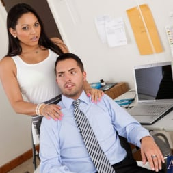 Adrianna Luna in 'Naughty America' and Kris Slater in Naughty Office (Thumbnail 3)