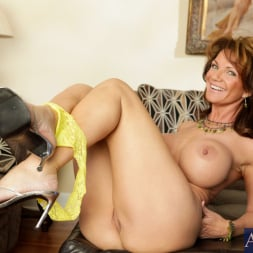 Deauxma in 'Naughty America' and Daniel Hunter in Seduced by a cougar (Thumbnail 1)