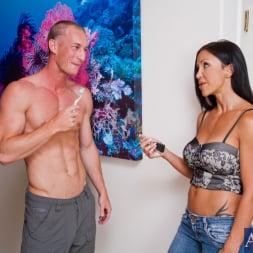 Jewels Jade in 'Naughty America' and Ryan Mclane in Neighbor Affair (Thumbnail 2)