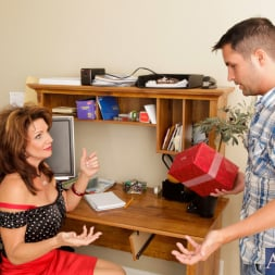 Deauxma in 'Naughty America' and Kris Slater in My Friends Hot Mom (Thumbnail 3)