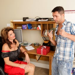 Deauxma in 'Naughty America' and Kris Slater in My Friends Hot Mom (Thumbnail 4)