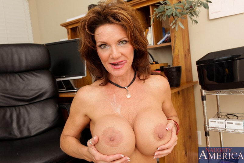 Naughty America 'and Kris Slater in My Friends Hot Mom' starring Deauxma (Photo 14)