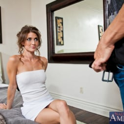 Jenni Lee in 'Naughty America' and Bruce Venture in My Dad's Hot Girlfriend (Thumbnail 3)