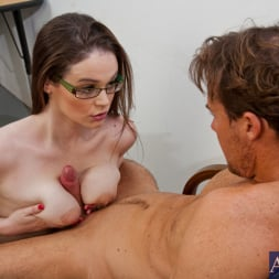 Tessa Lane in 'Naughty America' and Justin Magnum in Naughty Bookworms (Thumbnail 8)