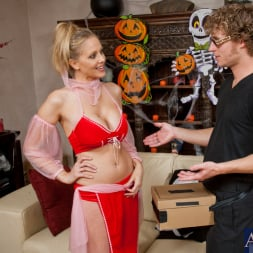 Julia Ann in 'Naughty America' and Michael Vegas in My Friends Hot Mom (Thumbnail 2)