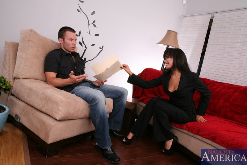 Naughty America 'and Tim Cannon in Asian 1 on 1' starring Annie Cruz (Photo 3)