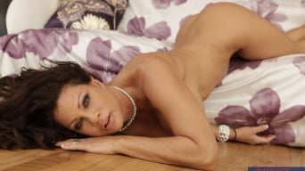Teri Weigel in 'and Bill Bailey in Seduced by a cougar'