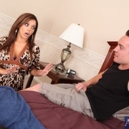 Francesca Le in 'Naughty America' and Romeo Price in My Friends Hot Mom (Thumbnail 3)