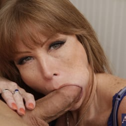 Darla Crane in 'Naughty America' and Giovanni Francesco in My Friends Hot Mom (Thumbnail 6)