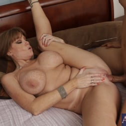 Darla Crane in 'Naughty America' and Giovanni Francesco in My Friends Hot Mom (Thumbnail 7)