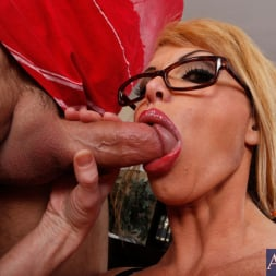 Taylor Wane in 'Naughty America' and Alan Stafford in My First Sex Teacher (Thumbnail 6)