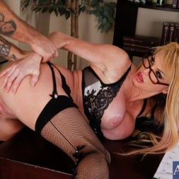 Taylor Wane in 'Naughty America' and Alan Stafford in My First Sex Teacher (Thumbnail 9)