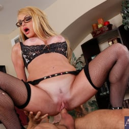 Taylor Wane in 'Naughty America' and Alan Stafford in My First Sex Teacher (Thumbnail 12)