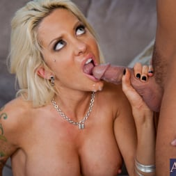 Helly Hellfire in 'Naughty America' and Rocco Reed in Neighbor Affair (Thumbnail 14)