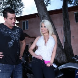 Britney Amber in 'Naughty America' and Billy Glide in My Dad's Hot Girlfriend (Thumbnail 2)