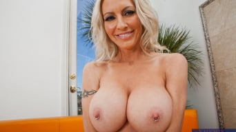 Emma Starr in 'Emma Starr, Johnny Castle and Michael Vegas in My Friends Hot Mom'