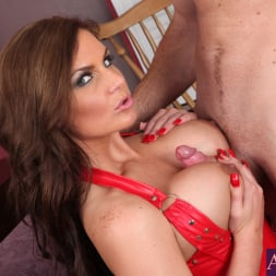 Phoenix Marie in 'Naughty America' and Justin Magnum in American Daydreams (Thumbnail 6)