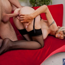 Emma Starr in 'Naughty America' and Danny Wylde in My Dad's Hot Girlfriend (Thumbnail 12)