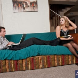 Heather Starlet in 'Naughty America' and Jordan Ash in My Dad's Hot Girlfriend (Thumbnail 2)
