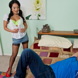 Asa Akira in 'Naughty America' and Johnny Castle in American Daydreams (Thumbnail 3)