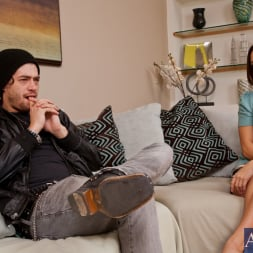 Gracie Glam in 'Naughty America' and Xander Corvus in My Dad's Hot Girlfriend (Thumbnail 1)
