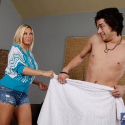 Devon Lee in 'Naughty America' and Xander Corvus in My Friends Hot Mom (Thumbnail 2)