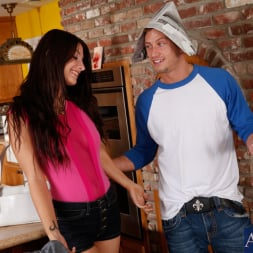 Karina White in 'Naughty America' and Bill Bailey in Fast Times (Thumbnail 3)