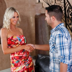 Emma Starr in 'Naughty America' and Kris Slater in Seduced by a cougar (Thumbnail 1)