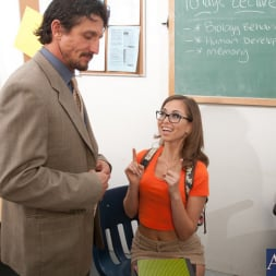 Riley Reid in 'Naughty America' and Tommy Gunn in Naughty Bookworms (Thumbnail 2)