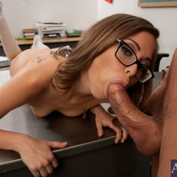 Riley Reid in 'Naughty America' and Tommy Gunn in Naughty Bookworms (Thumbnail 13)