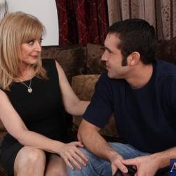 Nina Hartley in 'Naughty America' and Daniel Hunter in My Friends Hot Mom (Thumbnail 3)