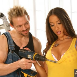 Lizz Tayler in 'Naughty America' and Erik Everhard in My Sisters Hot Friend (Thumbnail 3)